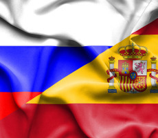 Waving flag of Spain and Russia ����: Depositphotos