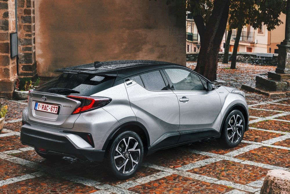 Toyota c hr for Toyota chr interieur