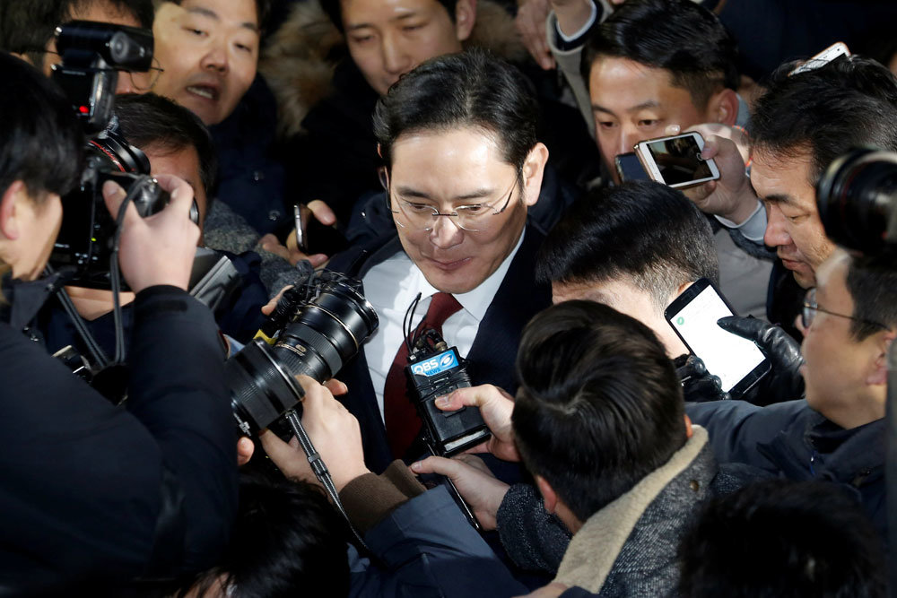 samsungs influence on south korea Lee kun-hee was born on 10 january 1942 in uiryeong, south gyeongsang, during the japanese occupation of koreahe is the third son of lee byung-chul, the founder of the samsung group.