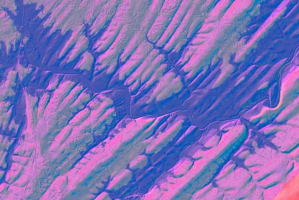 Фото: LIDAR image, US Geological Survey; digital colorization by Paul Olsen