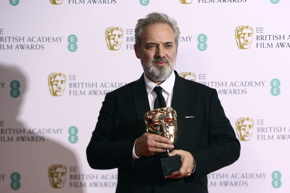 Режиссер Сэм Мендес с наградой от BAFTA. Фото: Photo by Joel C Ryan/Invision/AP