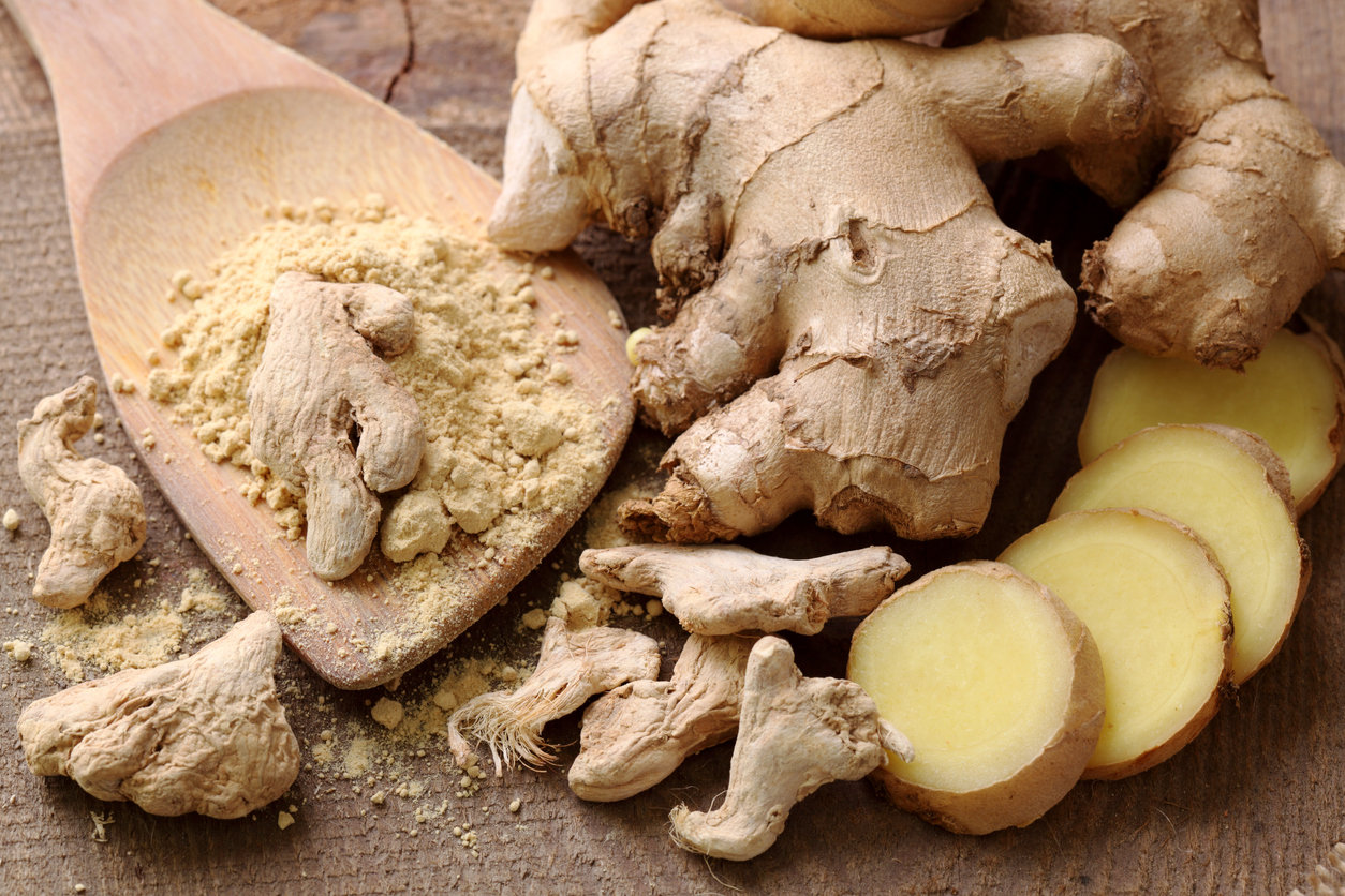Fresh, dried and powdered ginger Фото: iStock