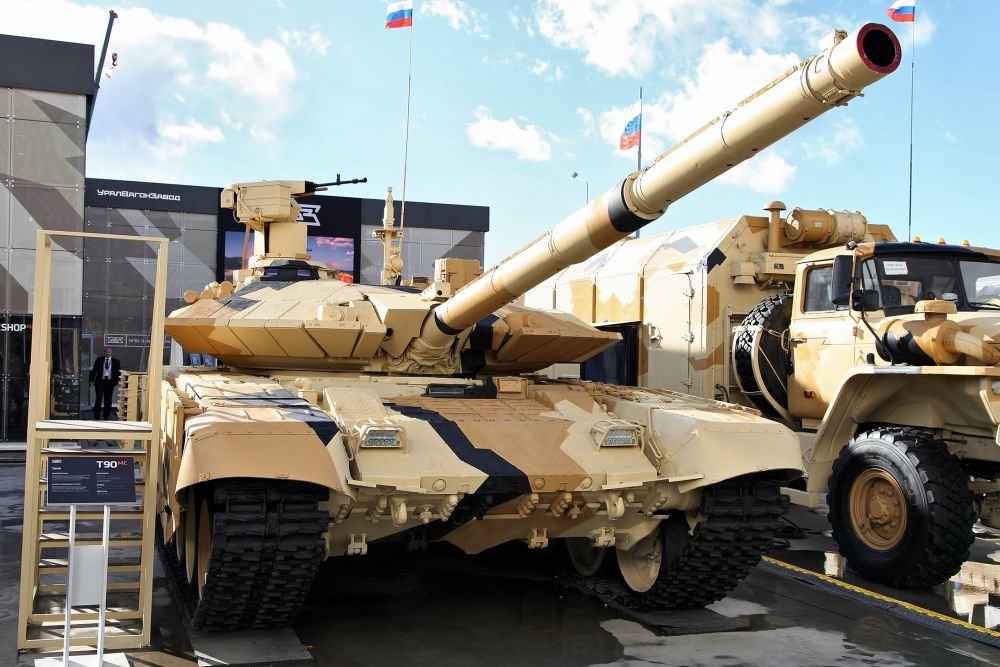 Russian Ground Forces: News #2 - Page 37 T-90_kuzmin_d_850